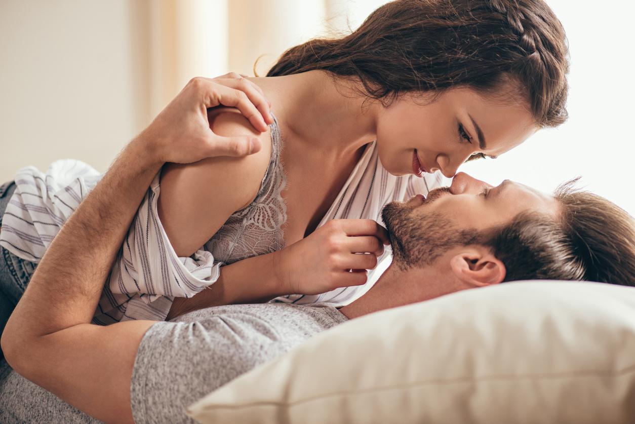 фото мужчины и женщины в постели - 12