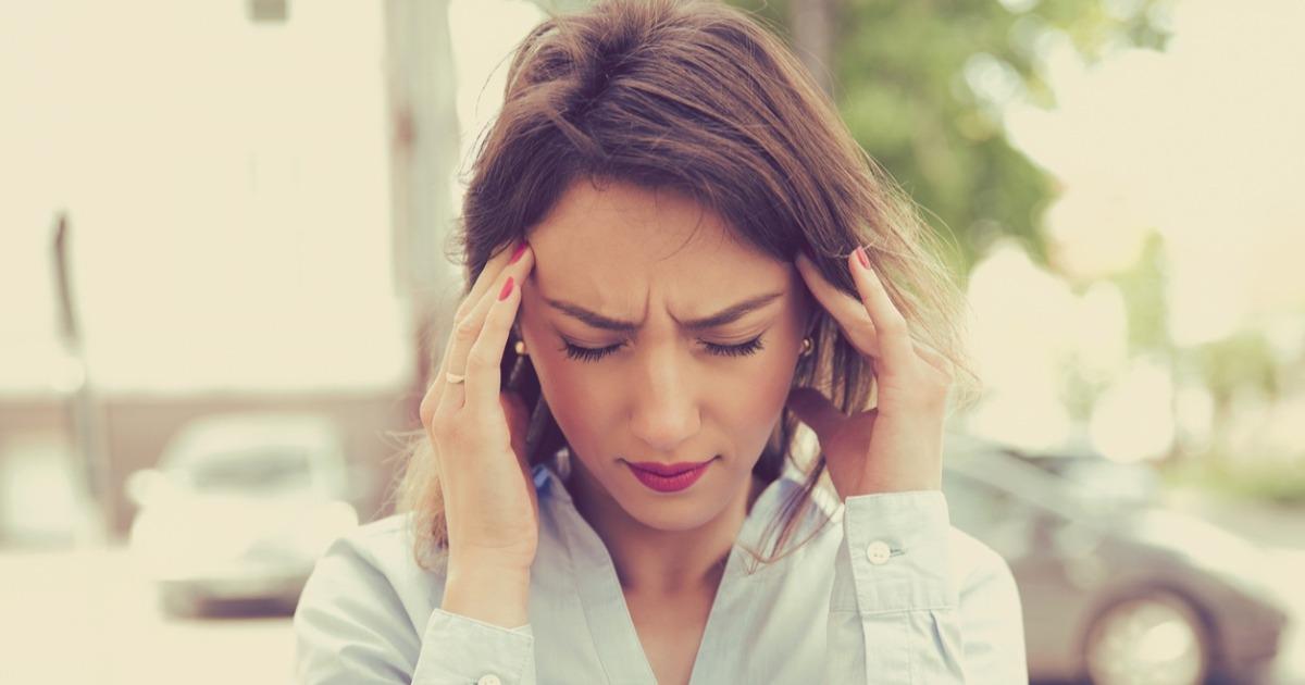 почему постоянно болит голова
