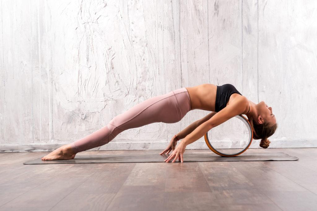 : йога для начинающих для похудения