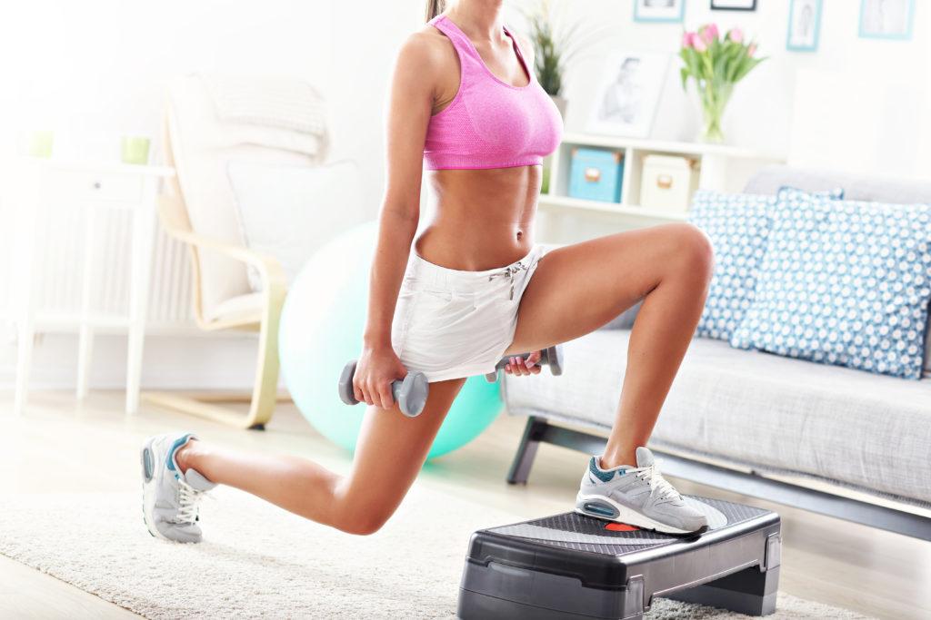 упражнения с гантелями дома для девушек
