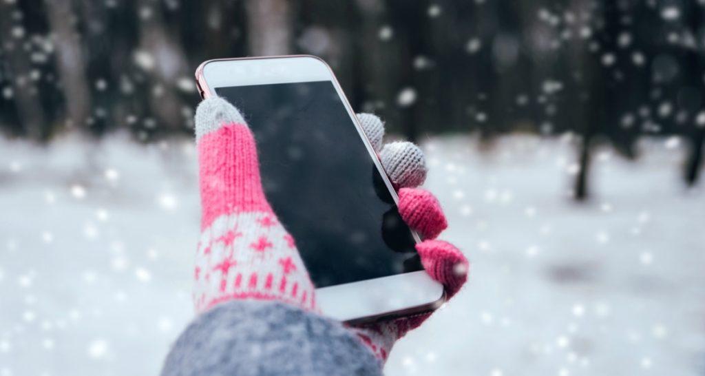 почему iPhone выключается на холоде?