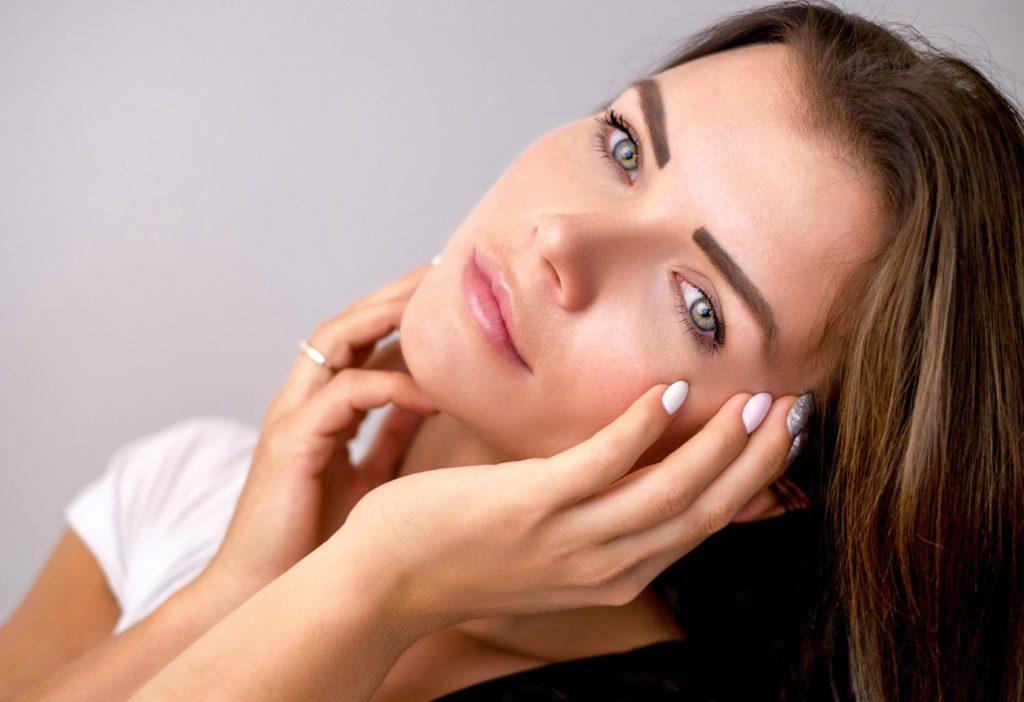 Как решить проблему уставшей кожи и опухших глаз