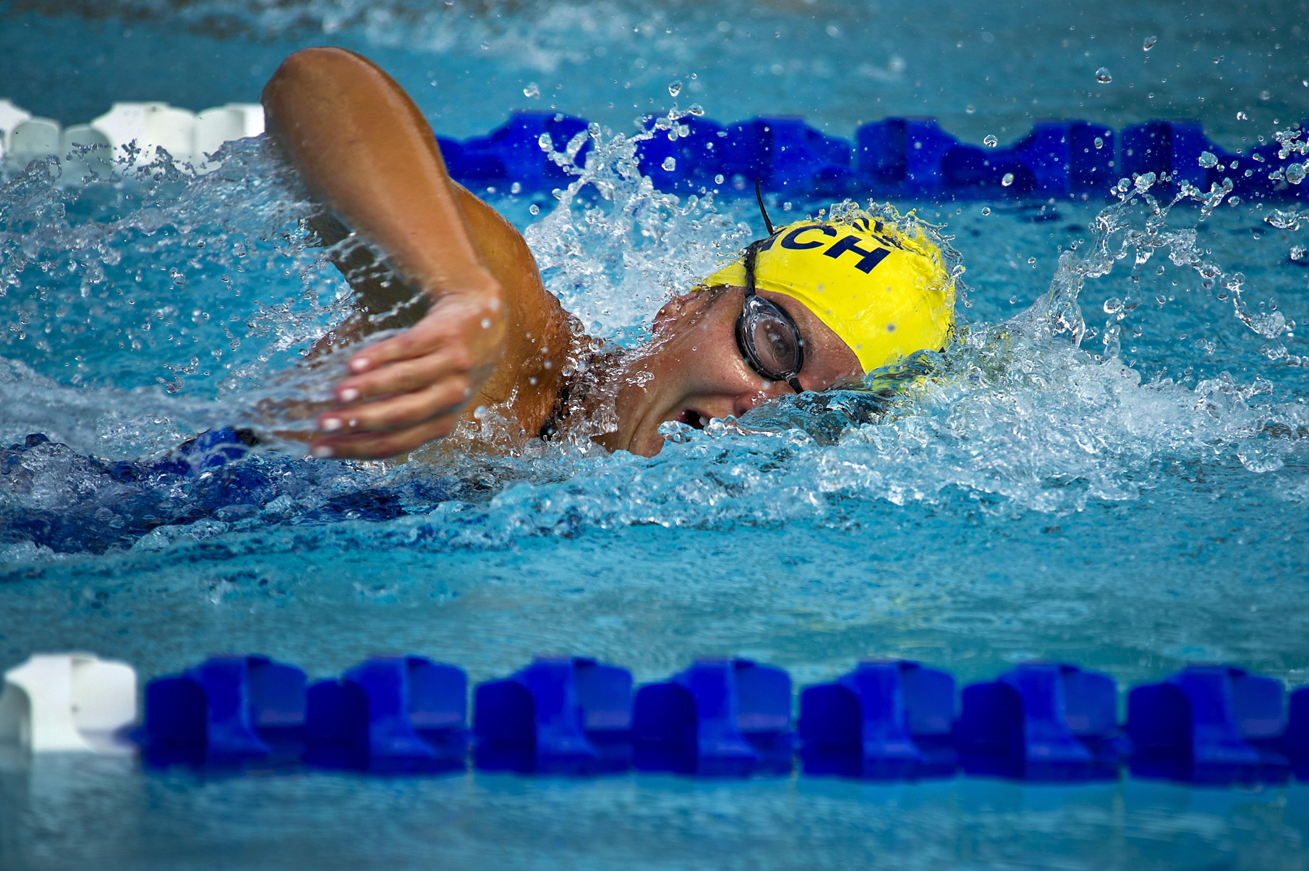 Как научиться плавать быстрее