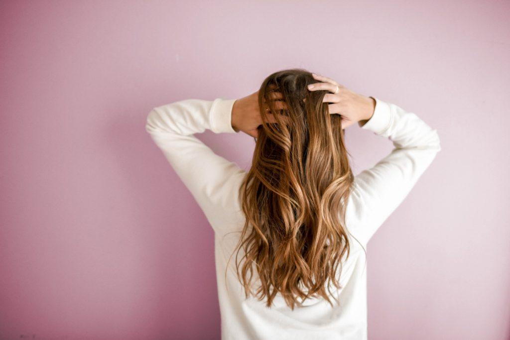 Как правильно высушить волосы дома