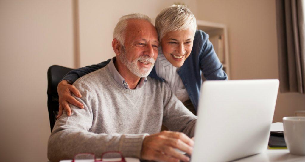 как обучить старшее поколение работать с компьютером