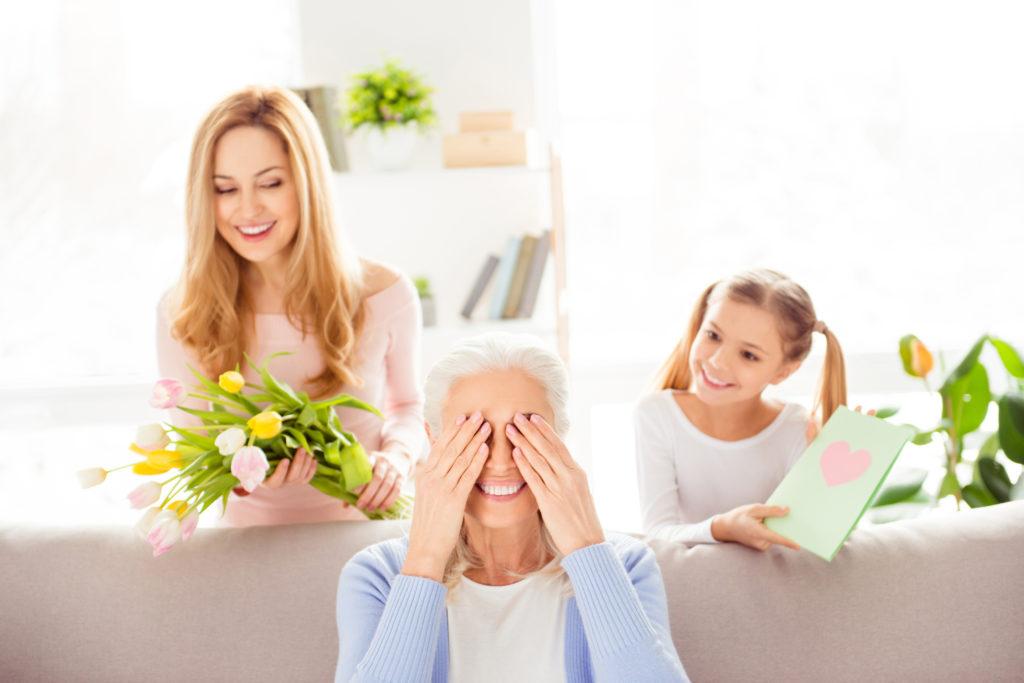 цветы для бабушки 8 марта