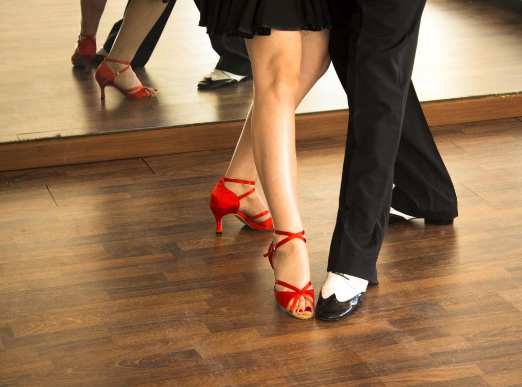 Лучшие виды танцев после 40