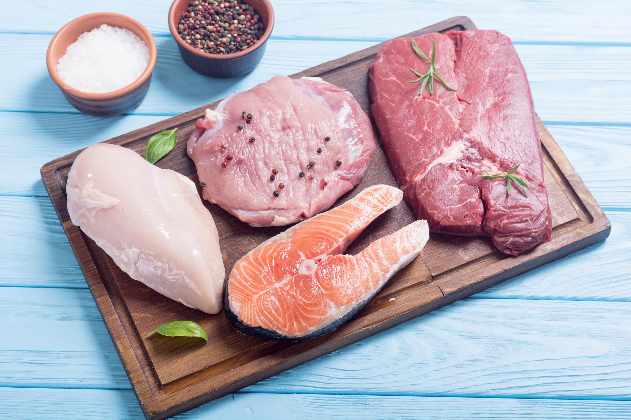 Как научиться выбирать качественное мясо и рыбу