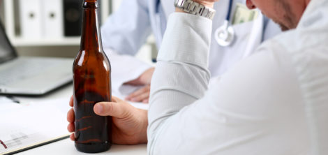 Как побудить человека отказаться от алкоголя