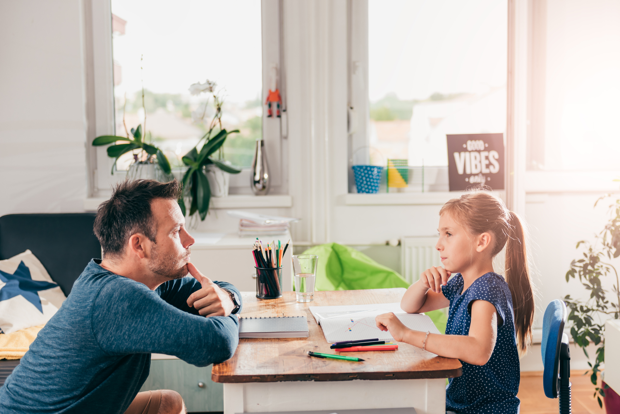 Как обустроить ребенку качественное учебное место дома